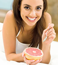 Wallpapers Grapefruit Brown haired Face Smile Hands Girls