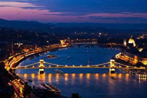 Tapety na pulpit Węgry Budapeszt Rzeka Most Noc Danube, Chain bridge section