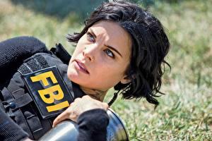 Fotos Jaimie Alexander Brünette Starren Gesicht FBI Blindspot Prominente Film Mädchens