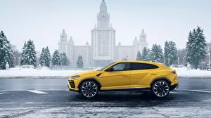 Images Lamborghini Side Yellow 2018 Urus automobile