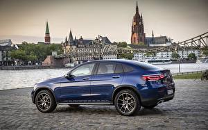 Photo Mercedes-Benz Blue Side Crossover Coupe GLC 300 4MATIC brilliant blue metallic auto