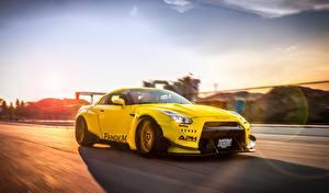 Hintergrundbilder Nissan Fahrzeugtuning Gelb Fährt GT-R Liberty Walk Pandem