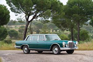 Hintergrundbilder Antik Mercedes-Benz Grün Metallisch 1966 600 by Chapron Autos