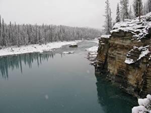Hintergrundbilder Flusse Winter Kanada Felsen Schnee Jasper park Alberta, Athabasca River