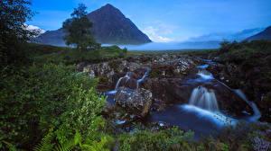 Bilder Schottland Wasserfall Steine Landschaftsfotografie Felsen Nebel Bäche