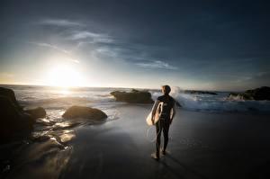 Fonds d'écran Pierres Levers et couchers de soleil Homme Surf Plages