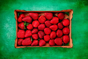 Image Strawberry Colored background Box