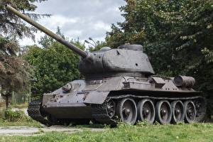 Pictures Tanks Monuments T-34