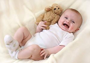 Tapety na pulpit Miś Niemowlę Radość Dzieci