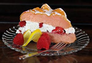 Fonds d'écran Gâteau Framboises Assiette Morceau Fourchette