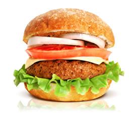 Bilder Fast food Hamburger Brötchen Fleischwaren Gemüse Großansicht Weißer hintergrund das Essen