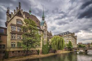 Fotos Frankreich Straßburg Haus Flusse Brücken Bäume Städte