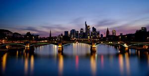 Pictures Germany Frankfurt Bridge Rivers Sunrises and sunsets Evening Bankenviertel, land of Hesse, Mynah Cities