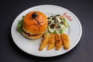 Fotos Hamburger Salat Oliven Kartoffel Teller