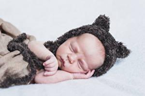 Pictures Baby Sleep Winter hat Hands