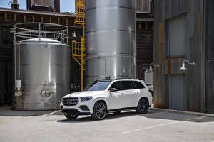 Bilder Mercedes-Benz Weiß 2020 GLS 580 4MATIC AMG Line
