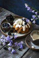 Image Pound Cake Blueberries Campanula Blackberry Wood planks Food