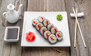 Hintergrundbilder Meeresfrüchte Sushi Bretter Essstäbchen Teller Sojasauce