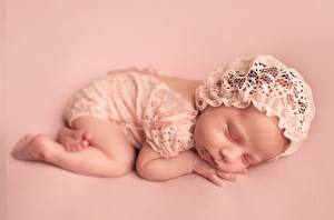 Hintergrundbilder Schlaf Säugling Farbigen hintergrund Kinder
