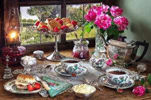 Image Still-life Roses Kettle Paraffin lamp Tea Pastry Strawberry Tablecloth Vase Cup Cream Spoon Saucer Window Food Flowers