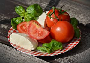 Fondos de escritorio Tomate Queso Plato Rojo Albahaca Caprese, Mozzarella