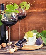 Fondos de escritorio Vino Uvas Higuera Queso Nuez Vaso de vino Botellas comida