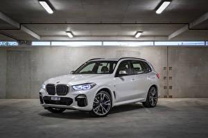Bilder BMW Weiß Metallisch Crossover 2018-19 X5 M50d Autos