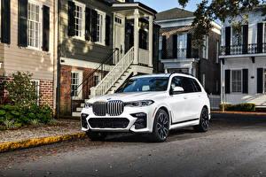 Desktop hintergrundbilder BMW Weiß Softroader 2020 X7 xDrive50i M Sport automobil