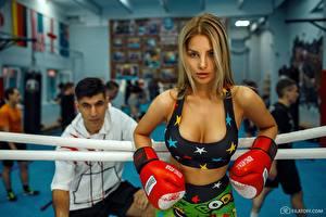 Bakgrunnsbilder Boksing Vakker Blond jente Dmitry Filatov Sport Unge_kvinner
