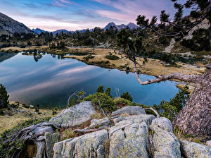 Fonds d'écran France Lac Pierres Branche Aragnouet Pyrenees