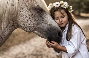 Pictures Horses Love Little girls Wreath Hug Animals