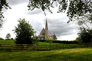 Fonds d'écran Irlande Église Herbe Clôture Branche Ballyclog Villes