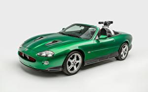 Fotos Jaguar Grauer Hintergrund Grün Cabriolet xkr james bond die another day auto