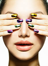 Picture Lips Fingers Face Manicure Girls