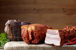 Fondos de escritorio Productos càrnicos Pernil Pimienta de chile Carne de marrano Holzplanken Pared Salo - alimento