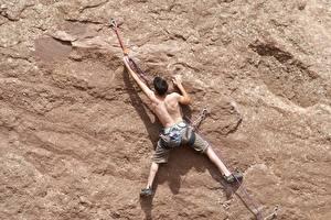 Hintergrundbilder Bergsteigen Mann Kletterer Mauer Felsen Rücken Bein sportliches