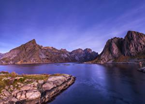 Fondos de Pantalla Noruega Islas Lofoten Montañas Bahía Naturaleza