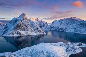 Hintergrundbilder Norwegen Lofoten Gebirge Winter Bucht Schnee Natur