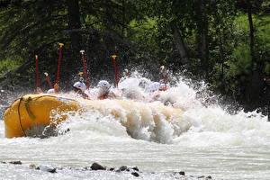 Fotos Flusse Boot Kanada Rafting Wasser spritzt Fraser river, British Columbia Sport