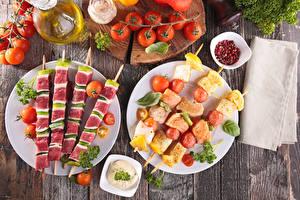 Papel de Parede Desktop Shashlik Hortaliça Tomate Tábuas de madeira Prato comida