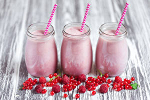 Photo Smoothy Currant Raspberry Wood planks Jar Three 3