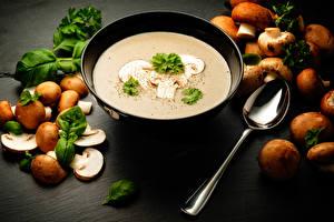 Hintergrundbilder Suppe Pilze Teller Löffel das Essen