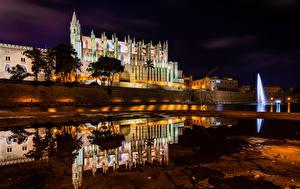 Bilder Spanien Mallorca Tempel Kirchengebäude Flusse Haus Nacht Spiegelung Spiegelbild Catedral La Seu Städte