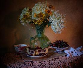 Hintergrundbilder Stillleben Obstkuchen Kirsche Hortensien Gazania Tasse Stücke Lebensmittel Blumen