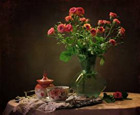 Bilder Stillleben Rosen Vase Tasse Blumen
