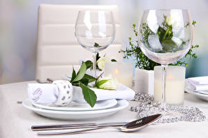 Pictures Table appointments Roses Jewelry Stemware White Spoon flower