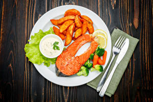 Wallpapers The second dishes Fish - Food Finger chips Vegetables Knife Salmon Boards Plate Fork