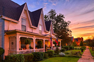 Image USA Building Sunrises and sunsets Street Design Lawn Shrubs West Point Georgia Cities