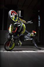 Fotos BMW - Motorrad Motorradfahrer Helm 2015 Concept Stunt G 310 Motorrad