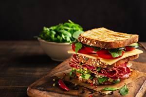 Фотографии Бутерброды Сэндвич Колбаса Сыры Томаты